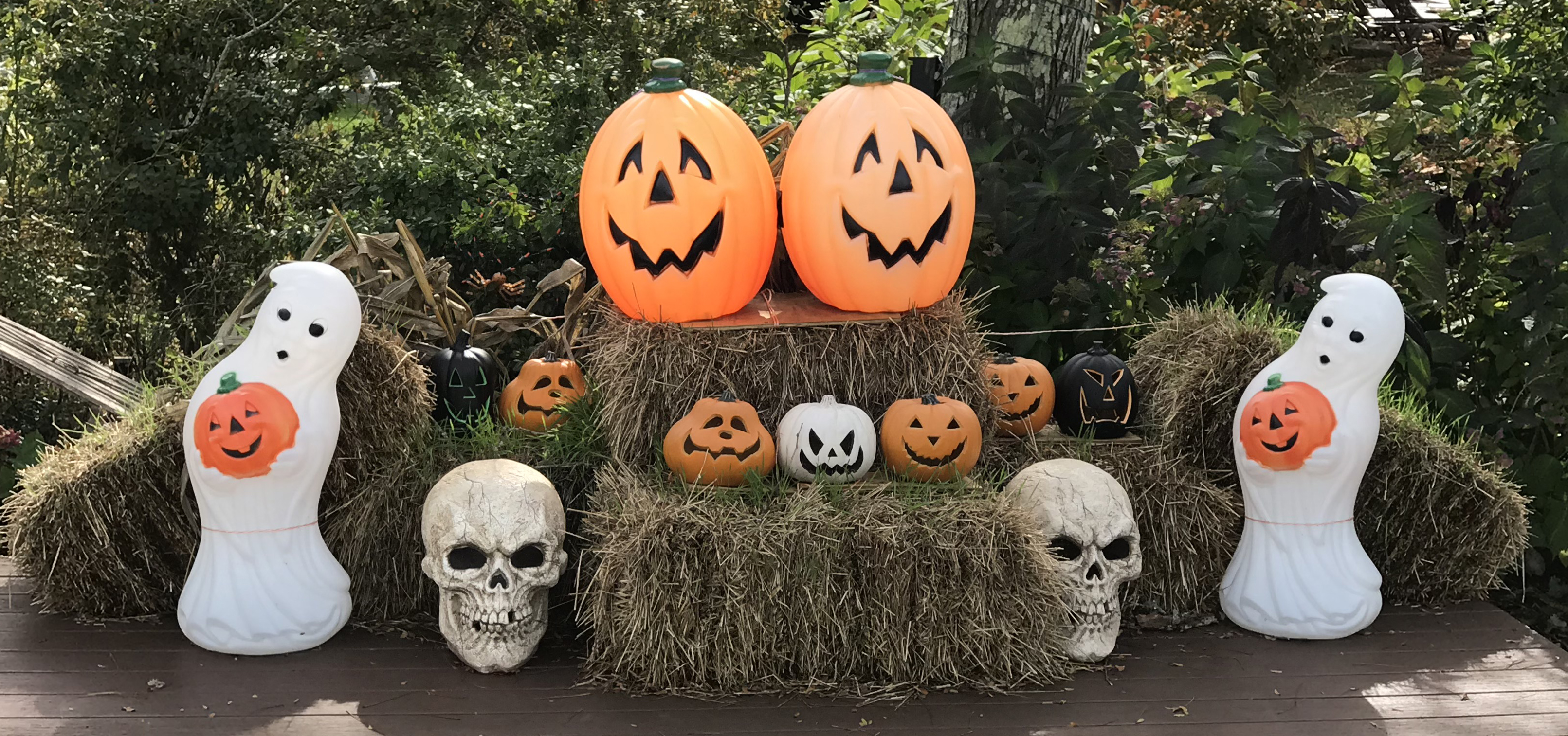 Haunted Hotel Pumpkins