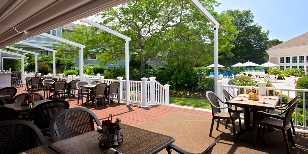 Outdoor Dining on the Deck
